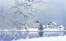 Grindle Point Lighthouse with Snowy Tree