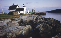 Grindle Point Lighthouse with rocky ledge