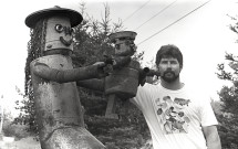 Cliff Houle with metal sculptures